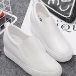 รองเท้าผ้าใบแฟชั่นเกาหลีสีขาว ส้นตึก วัสดุหนัง แบบสวม ทรงทันสมัย