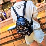 กระเป๋าเป้สีดำ กระเป๋าเป้สะพายหลัง แต่งหมุดทั้งใบ งานหนัง PU อย่างดี แฟชั่นเกาหลี