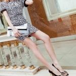รองเท้าส้นสูงสีดำ แบบส้นหนา หุ้มส้น หัวประดับเข็มขัดฝังเพชร ส้นสูง7cm เจ้าหญิงสุดๆ แฟชั่นเกาหลี