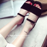 รองเท้าแตะผู้หญิงสีดำ ส้นแบน แบบสวม อาซาคุจิ หนังนิ่ม ดูดี แฟชั่นเกาหลี