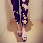 รองเท้าแตะผู้หญิงสีดำ แบบสวม ประดับเพชร ส้นเตี้ย แฟชั่นเกาหลี