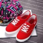 รองเท้าผ้าใบแฟชั่นผู้หญิงสีแดง พื้นขาว ส้นเตี้ย แบบเชือกผูก น่ารัก ทรงทันสมัย แฟชั่นเกาหลี
