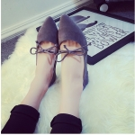 รองเท้าส้นแบนผู้หญิงสีเทา หุ้มส้น หัวแหลม ประดับโบว์ ส้นสูง1ซม. กันน้ำ ทำความสะอาดง่าย แฟชั่นเกาหลี