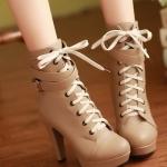 รองเท้าบู๊ทส้นสูงสีแอปริคอท หนังPU ด้านในเป็นผ้าฝ้าย แบบเชือกผูก มีเข็มขัดรัดข้อเท้า พื้นหนา2.5cm ส้นสูง11.5cm แฟชั่นเกาหลี