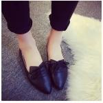 รองเท้าส้นเตี้ยผู้หญิงสีดำ หัวแหลม แบบเชือก ใส่แล้วเท้าเรียว แฟชั่นเกาหลี