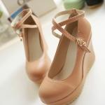 รองเท้าส้นเตารีดสีน้ำตาลอ่อน หุ้มส้น วัสดุPU มีเข็มขัดรัดข้อเท้า ส้นสูง8CM แฟชั่นเกาหลี