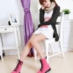 รองเท้าบู๊ทผู้หญิงสีชมพู หนังกำมะหยี่ ด้านในผ้าฝ้าย ส้นแบน แฟชั่นฤดูหนาว