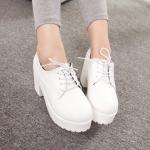 รองเท้าคัตชูผู้หญิงสีขาว ส้นหนา พื้นหนา แบบเชือกผูก