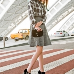 รองเท้าคัทชูส้นสูงสีดำ แบบส้นแหลม ประดับโบว์ ฝังเพชร ซิปข้าง ส้นสูง10cm แฟชั่นเกาหลี