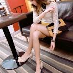 รองเท้าส้นเตี้ยผู้หญิงสีแอปริคอท หุ้มส้น หัวแหลม ประดับโบว์ ส้นสูง4cm ใส่แล้วเท้าเล็ก น่ารัก แฟชั่นเหาหลี