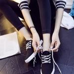 รองเท้าผ้าใบแฟชั่นเกาหลีสีดำ พื้นสีขาว หุ้มส้น เชือกกลม ทรงทันสมัย น่ารัก สวมใส่สบาย แฟชั่นมาใหม่