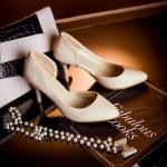 รองเท้าส้นสูงสีเบจ หุ้มส้น หัวแหลม แนวหวาน เจ้าหญิง ส้นสูง8.5cm แฟชั่นเกาหลี