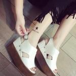 รองเท้าส้นเตารีดสีขาว รัดส้น ทรงมัฟฟิน กันน้ำ วัสดุพียู พื้นยาง ทรงทันสมัย แฟชั่นเกาหลี