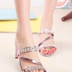 รองเท้าแตะผู้หญิงสีชมพู ส้นสูง เปิดส้น สายคาดแต่งเพชรหรูหรา แบบเปิดโชว์นิ้วเท้า แฟชั่นเกาหลี