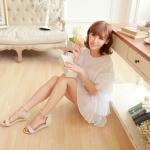 รองเท้าแตะผู้หญิงสีครีม รัดส้น เปิดนิ้วเท้า มีเข็มขัดรัดส้น ส้นแบน แนวหวาน น่ารัก แฟชั่นเกาหลี