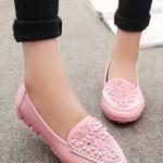 รองเท้าคัทชูส้นเตี้ยสีชมพู แบบสวม หัวประดับดอกไม้ฝังเพชร สไตล์หวาน น่ารัก แฟชั่นเกาหลี
