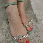รองเท้าแตะผู้หญิงสีเขียว แฟชั่นสไตล์โบฮีเมี่ยน แบบเปิดนิ้วเท้า ประดับเพชร