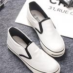 รองเท้าผ้าใบแฟชั่นเกาหลีสีขาว แถบสีดำ EXO หนังเรียบ หัวกลม พื้นหนา แบบสวม น่ารัก ใส่ลำลอง