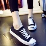 รองเท้าผ้าใบแฟชั่นเกาหลีสีดำ พื้นหนา หัวรองเท้าสีขาวแถบดำ ทรงยอดนิยม ฮิตตลอดกาล
