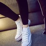 รองเท้าผ้าใบแฟชั่นเกาหลีสีขาว หุ้มข้อ แบบเชือกผูก ทรงคลาสิค ฮิตตลอดกาล