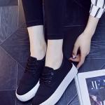 รองเท้าผ้าใบแฟชั่นเกาหลีสีดำ ส้นตึก พื้นสีขาว แต่งลอนนูน แบบเชือกผูก แนววินเทจ