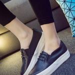 รองเท้าผ้าใบแฟชั่นเกาหลีสีดำ พื้นหนา พื้นสีขาว แบบสวม สวมใส่สบาย แบบเชือกผูก สวยงามมาก
