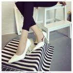 รองเท้าส้นสูงสีขาว หัวแหลม หนังงู หุ้มส้น ส้นสูง8ซม. แฟชั่นเกาหลี