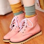 รองเท้าบู๊ทผู้หญิงสีชมพู หัวหลม แบบเชือกผูก ทรงมาร์ติน แฟชั่นเกาหลี