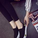 รองเท้าผ้าใบแฟชั่นผู้หญิงสีดำ พื้นสีขาว แบบสวม ใส่ลำลอง พื้นหนา ทรงทันสมัย น่ารัก แฟชั่นเกาหลี