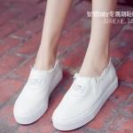 รองเท้าผ้าใบผู้หญิงสีขาว แบบสวม พื้นหนา สวมใส่สบายเท้า ทรงคลาสสิค ดูดี แฟชั่นเกาหลี