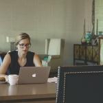 5 วิธีในการแต่งตัวชุดทำงานให้ดูเป็นมืออาชีพ