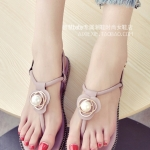 รองเท้าแตะผู้หญิงสีชมพู ส้นแบน แบบหนีบ ประดับมุกสุดหวาน สไตล์โรมัน ดูดี แฟชั่นเกาหลี
