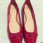 รองเท้าคัทชูส้นแบนสีแดง หัวเหลี่ยม แต่งโบว์ ทรงอาซาคุจิ หนังไมโครไฟเบอร์ สไตล์หวาน แฟชั่นเกาหลี
