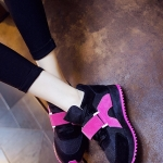 รองเท้ากีฬาแฟชั่นผู้หญิงสีดำ แถบแดง หุ้มข้อ พื้นหนา ผ้าตะข่ายผ้าตะข่ายและกำมะหยี่ ระบายความร้อนได้ดี รองรับน้ำหนักได้ดี แฟชั่นเกาหลี