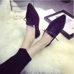 รองเท้าส้นแบนผู้หญิงสีดำ หัวแหลม แบบเชือกผูก ส้นสูง1ซม. แฟชั่นเกาหลี