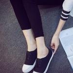 รองเท้าผ้าใบแฟชั่นผู้หญิงสีขาว ส้นแบน แบบสวม เรียบง่าย ทันสมัย สวมใส่สบาย แฟชั่นเกาหลี