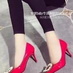 รองเท้าคัทชูผู้หญิงสีแดง ส้นสูง หัวแหลม ประดับมุก หรูหรา ไฮโซ ดูดี แฟชั่นเกาหลี