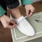 รองเท้าหุ้มส้นผู้หญิงสีขาว หนังเทียม แบบสวม ส้นเตี้ย น่ารัก แฟชั่นเกาหลี