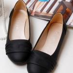 รองเท้าส้นแบนผู้หญิงสีดำ หัวกลม หุ้มส้น วัสดุPU หวานสไตล์เกาหลี