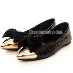 รองเท้าหุ้มส้นผู้หญิงสีดำ หัวแหลมสีทอง พื้นเตี้ย ตกแต่งด้วยโบว์ หวานน่ารัก แฟชั่นแนววินเทจ สไตล์เกาหลี