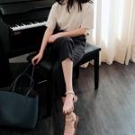 รองเท้าแตะผู้หญิงสีเบจ รัดส้น ฉลุลาย สไตล์โรมัน ส้นแบน แนววินเทจ แฟชั่นเกาหลี