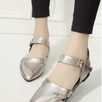 รองเท้าส้นแบนแฟชั่นสีกากี รัดส้น หัวแหลม มีเข็มขัดรัดส้นปรับระดับได้ กระชับเท้า ทรงทันสมัย แฟชั่นเกาหลี