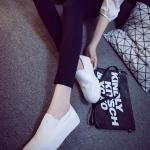 รองเท้าผ้าใบแหชั่นผู้หญิงสีขาว พื้นหนา พื้นสีขาว แบบสวม ใส่สบาย ทรงทันสมัย ดีไซด์เรียบง่าย แฟชั่นเกาหลี
