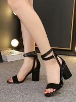 รองเท้าส้นสูงสีดำรัดส้น มีเข็มขัดรัดข้อเท้าปรับระดับได้ (สีดำ)