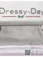 กระเป๋าออกงานพร้อ TE046 : กระเป๋าออกงานพร้อมส่ง สีเงิน กระเป๋าคลัชตกแต่งเพชรทั้งใบสวยหรูมากค่ะ ใบยาวใส่ไอโฟนได้ ราคาถูกกว่าห้าง ถือออกงาน หรือ สะพายออกงาน น่ารักที่สุด