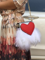 กระเป๋าสะพายข้าง หัวใจ แต่งขนนก