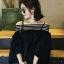 เสื้อแฟชั่นคอกว้าง โชว์ไหล่ น่ารักสไตล์เกาหลี รหัส 1484-สีดำ thumbnail 1