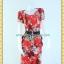 1855ชุดทํางาน เสื้อผ้าคนอ้วนสีแดงลายพริ้นท์ แต่งคอหยักสลับสีตีเกล็ดซ่อนด้านหน้าตัวเสื้อ แขนจีบบนไหล่ กระโปรงจีบแยก 2ข้างเป็นชั้นๆทรงสอบลาย thumbnail 1