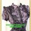 1771ชุดเดรสคอจีนลายเชิงผ้าเครป ระบายอกโค้งกระดุมหน้า โชว์ลวดลายการวางผ้าแต่งลายอย่างมีเอกลักษณ์มีซับใน thumbnail 2