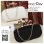 กระเป๋าออกงาน BM005: กระเป๋าคลัชสวย หรู สีดำ สีขาว เรียบเก๋ๆ ราคาถูก ใส่คู่กับชุดเดรสออกงานน่ารักมากค่ะ thumbnail 1